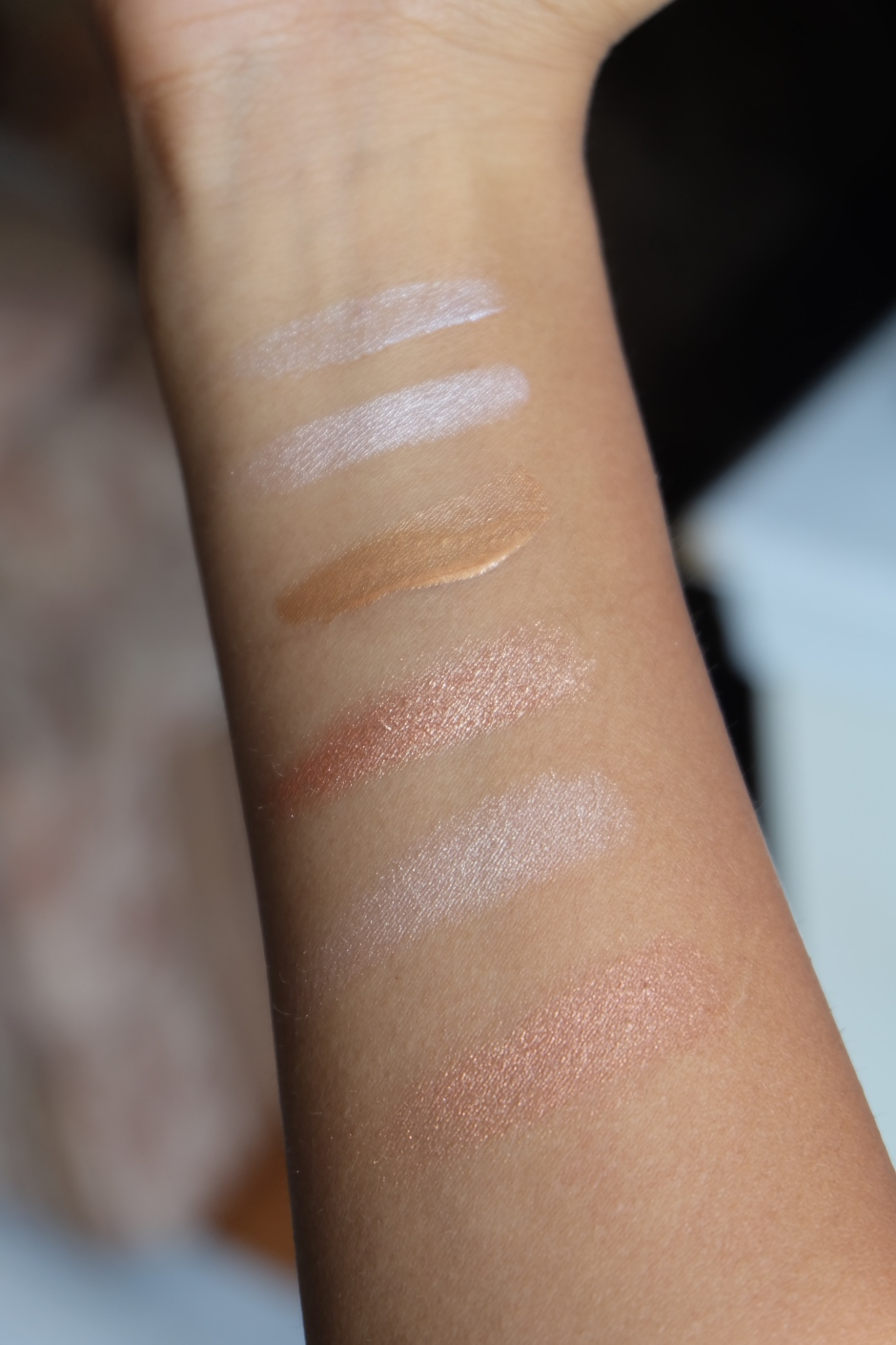 Strobing:Highlighting for dark skin swatches